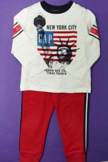 vêtement enfant occasion Ensemble pantalon de jogging et tee-shirt Gap 4 ans Gap